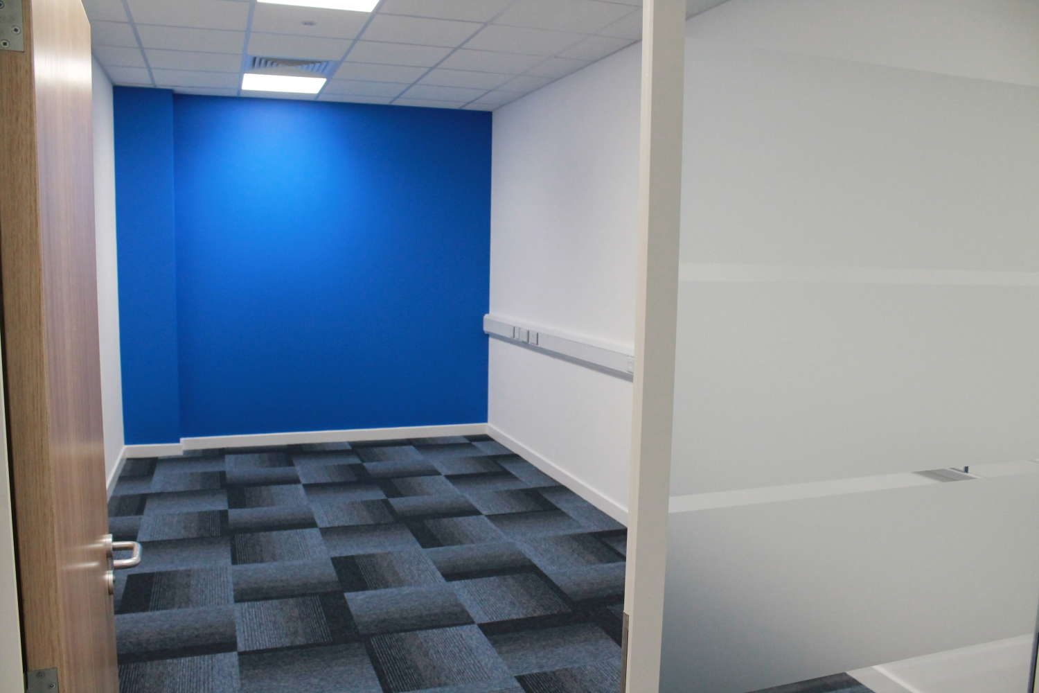 Industrial Bracknell, RG12 8FB - Access Business Centre - 3634