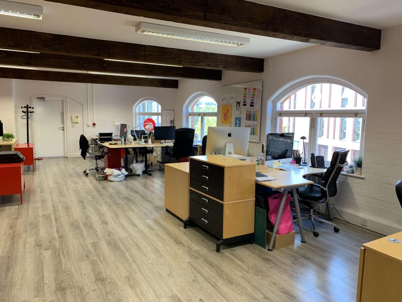 Office Bristol, BS1 6JG - St Thomas Court - 2484