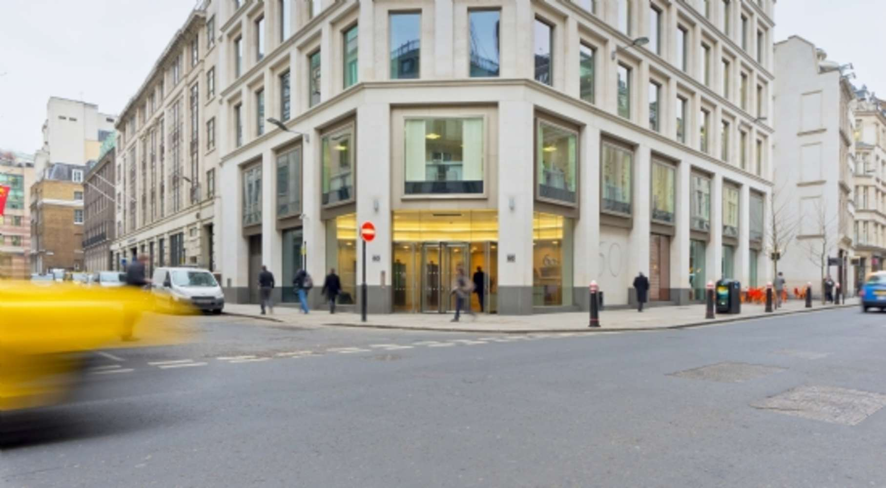 Serviced office London, EC2V 7BB - 60 Gresham Street - 350