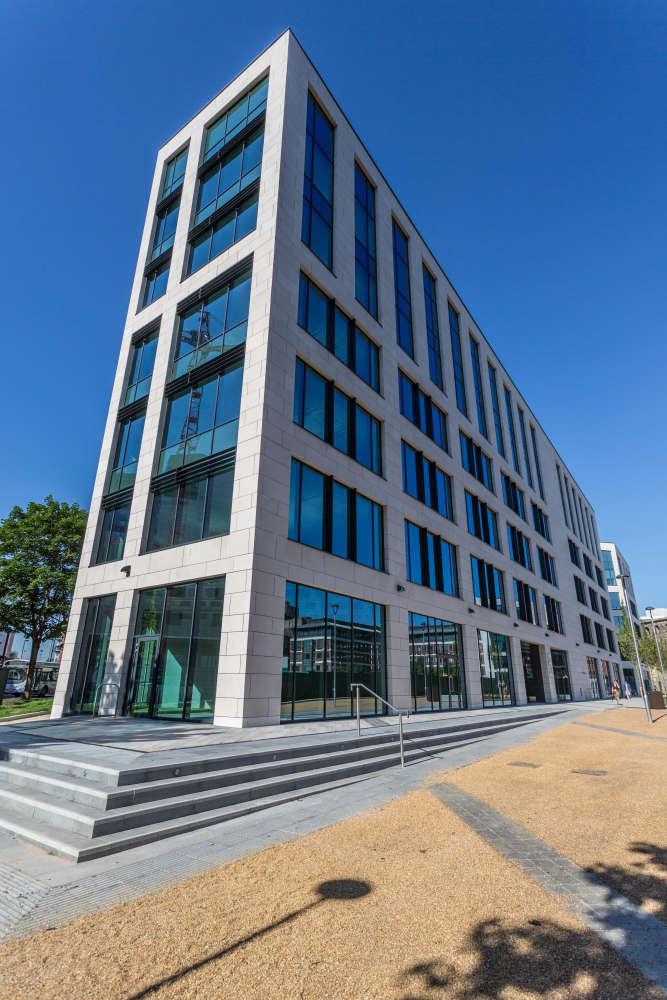 Offices Leeds, LS1 4AP - 5 Wellington Place - 9192
