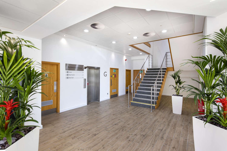 Offices Leeds, LS16 6QY - Lawnswood Business Park - 004
