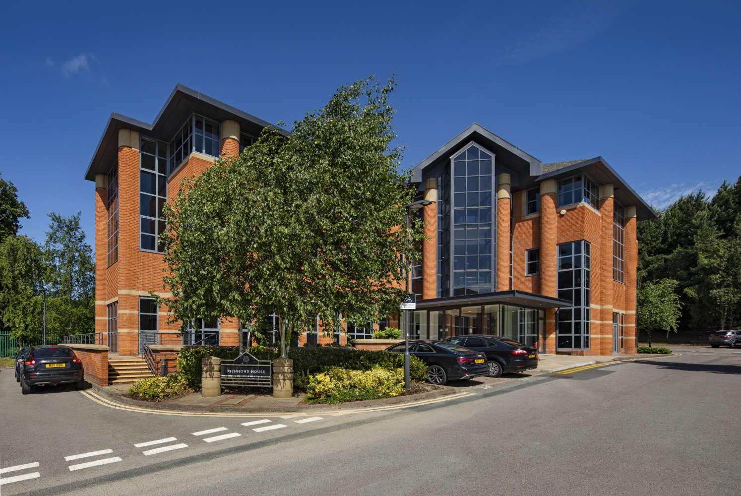 Offices Leeds, LS16 6QY - Lawnswood Business Park - 001