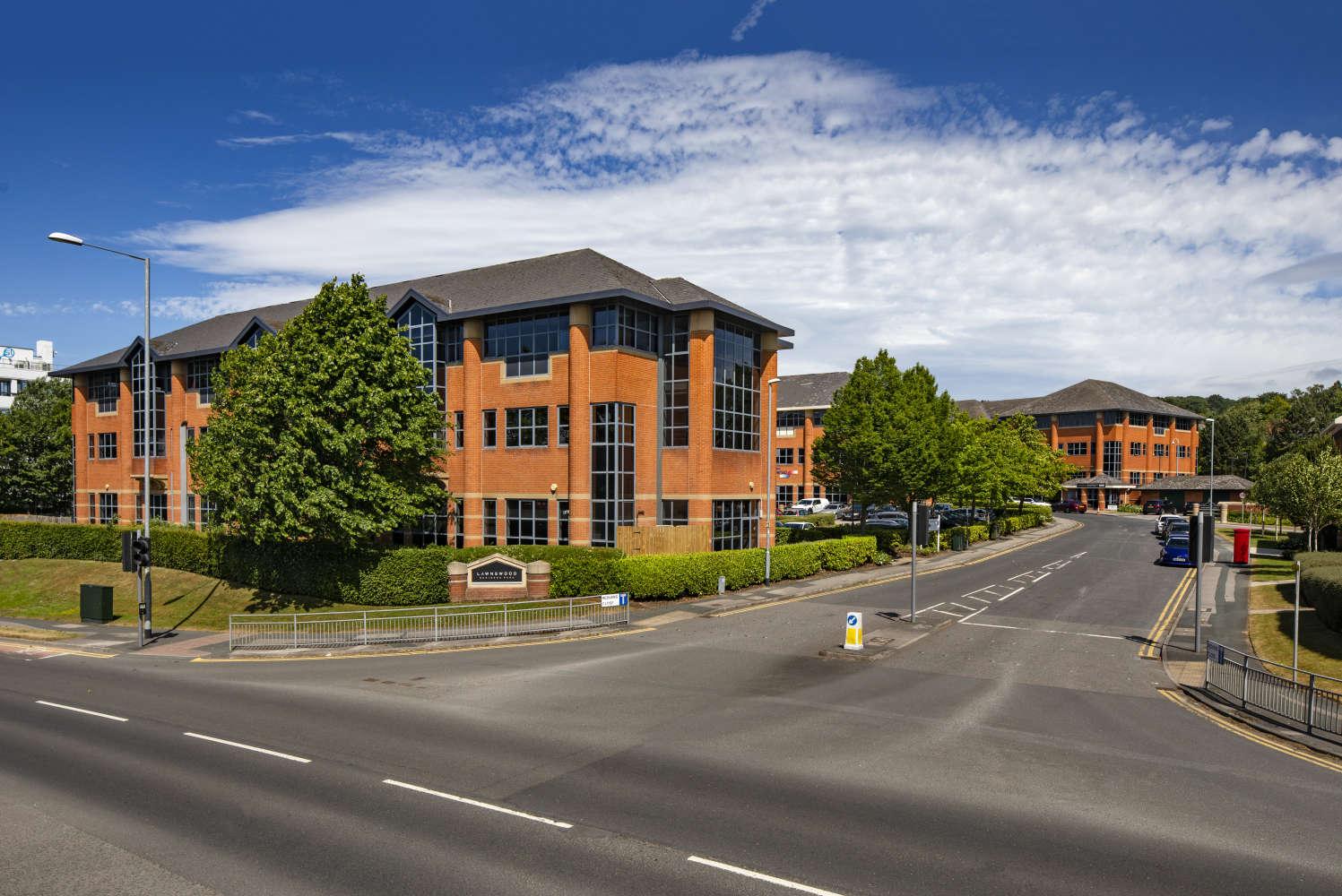 Offices Leeds, LS16 6QY - Lawnswood Business Park - 011