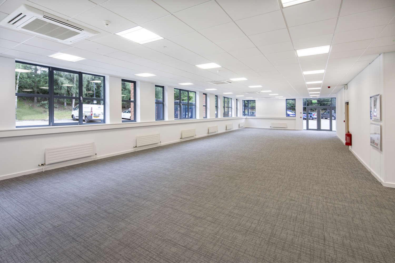Offices Leeds, LS16 6QY - Lawnswood Business Park - 005