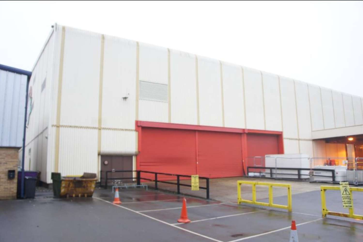 Industrial and logistics Swindon, SN5 8YZ - 3 Clearwater Business Park - 3