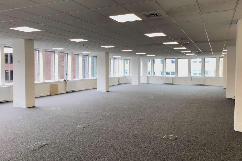 Office Glasgow, G2 4BG - 24 Blythswood Square - 0257