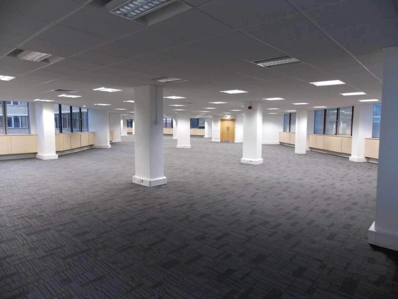 Office Nottingham, NG1 5FS - City Gate East - 2009