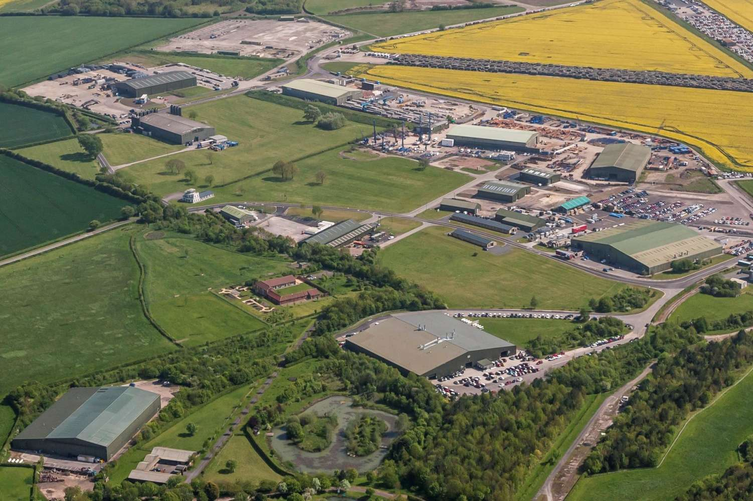 Industrial and logistics Newark, NG23 5FF - Roseland Business Park - Unit 1 - 11338