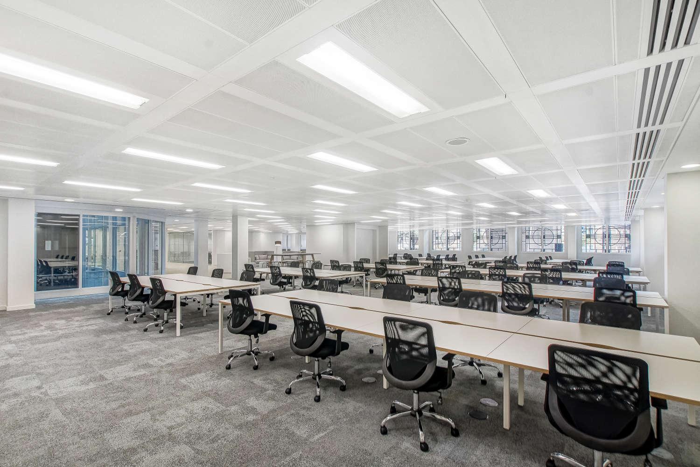 Office London, EC4V 4AB - Senator - 09026