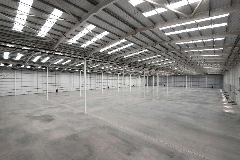 Industrial Rochdale, OL16 4NG - Kingsway 216 - 20