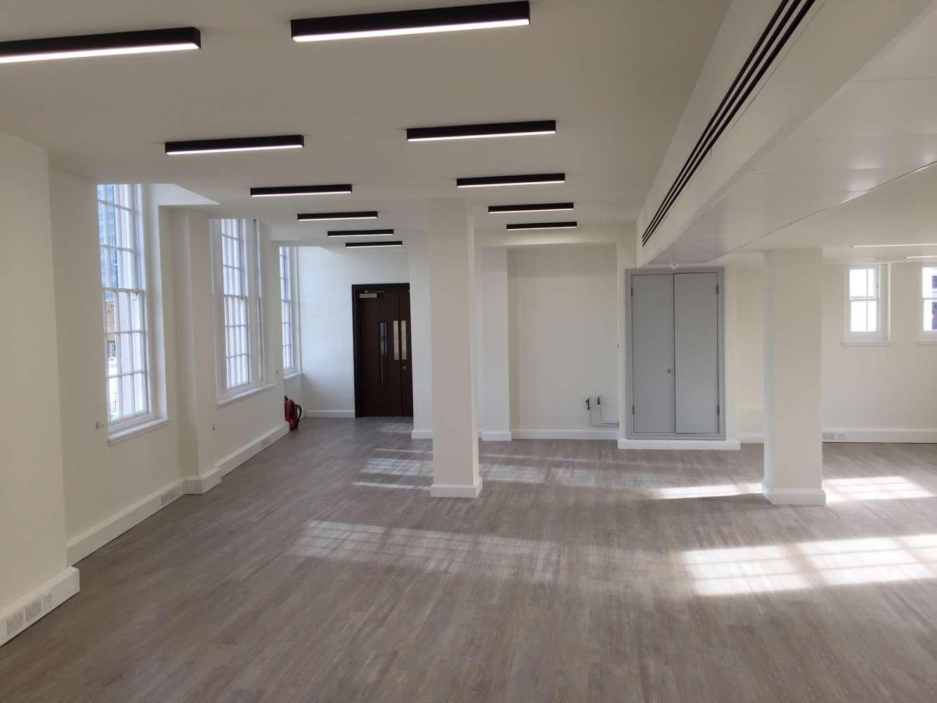 Office London, EC3V 3ND - 28-30 Cornhill - 5120