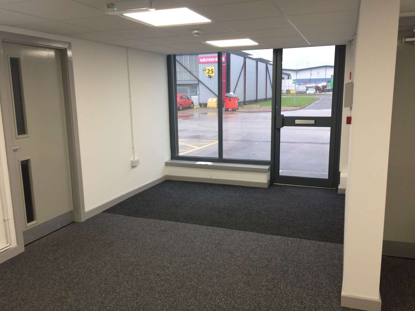 Industrial and logistics Warrington, WA2 8RF - Winwick Quay Business Park - 4