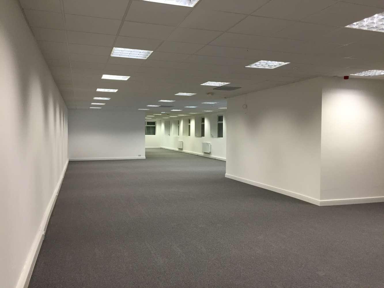 Office Leeds, LS11 0DN - 20 Brown Lane West - 0087