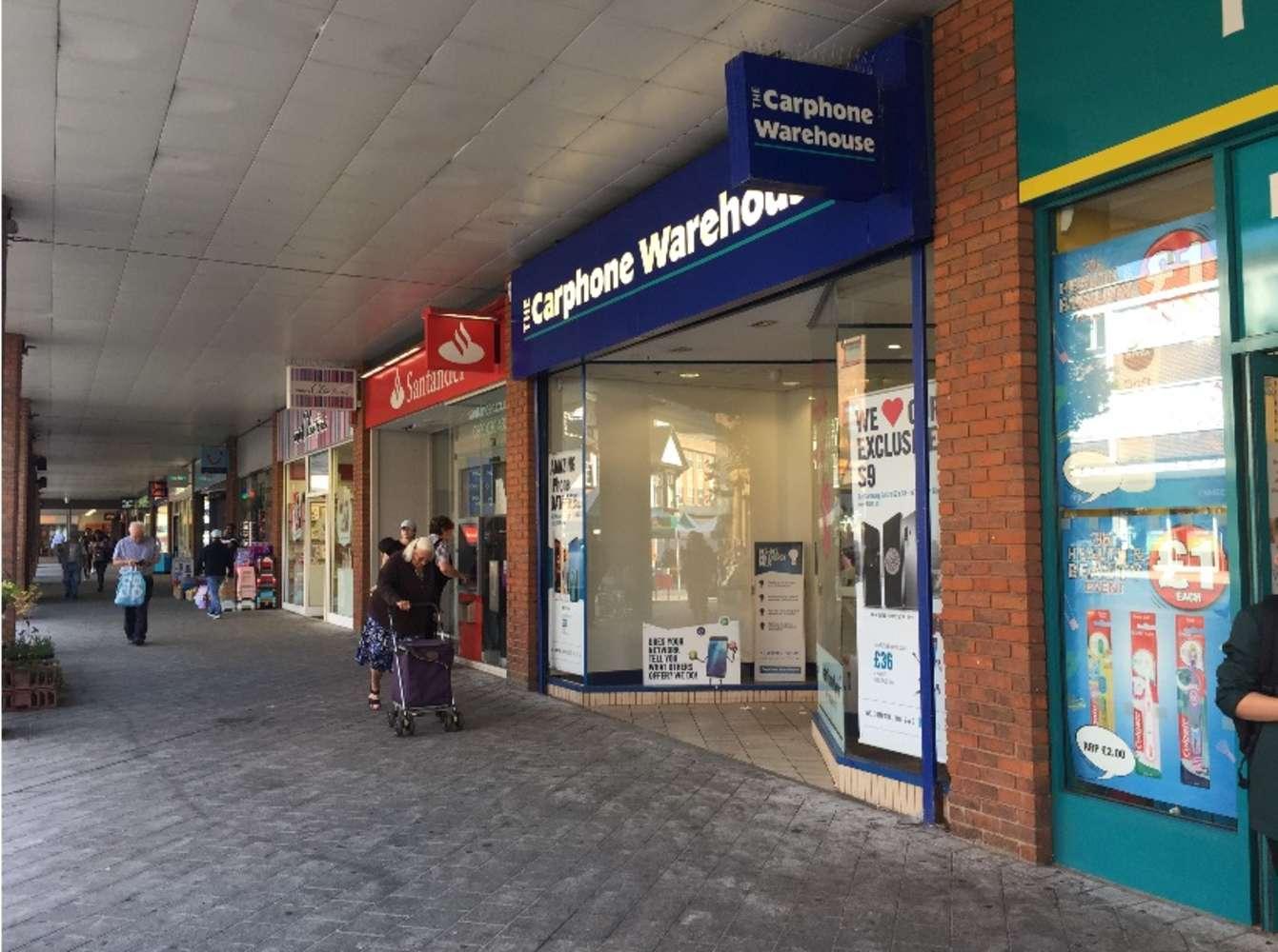 Retail high street Redhill, RH1 1NN - 10 Warwick Quadrant - 3