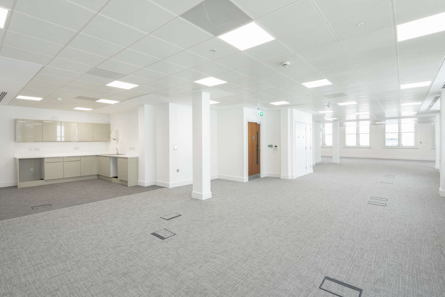Office London, EC3V 0AU - 81 Gracechurch Street - 007