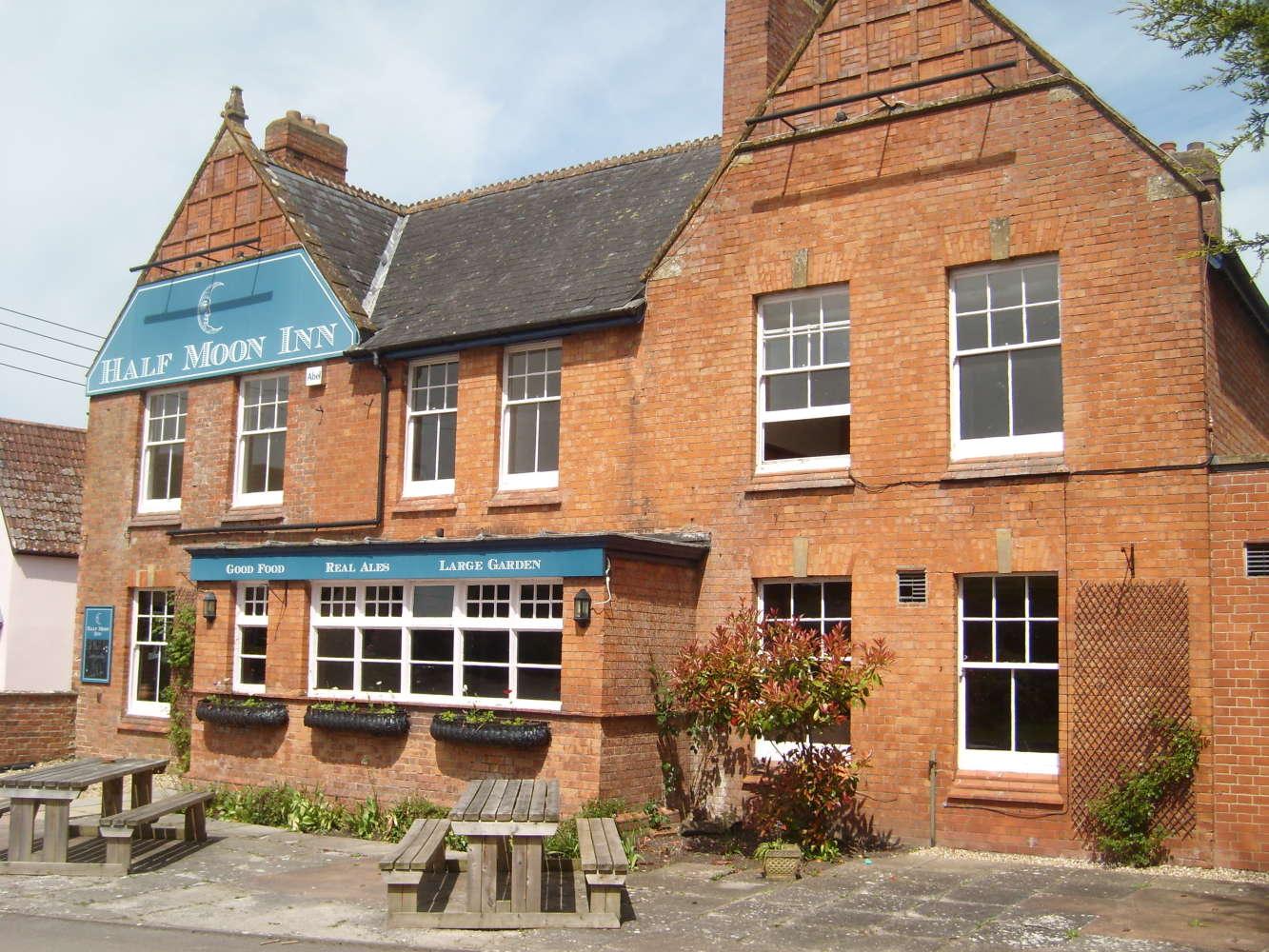 Pub Taunton, TA3 5BY - The Half Moon Inn  - 274064