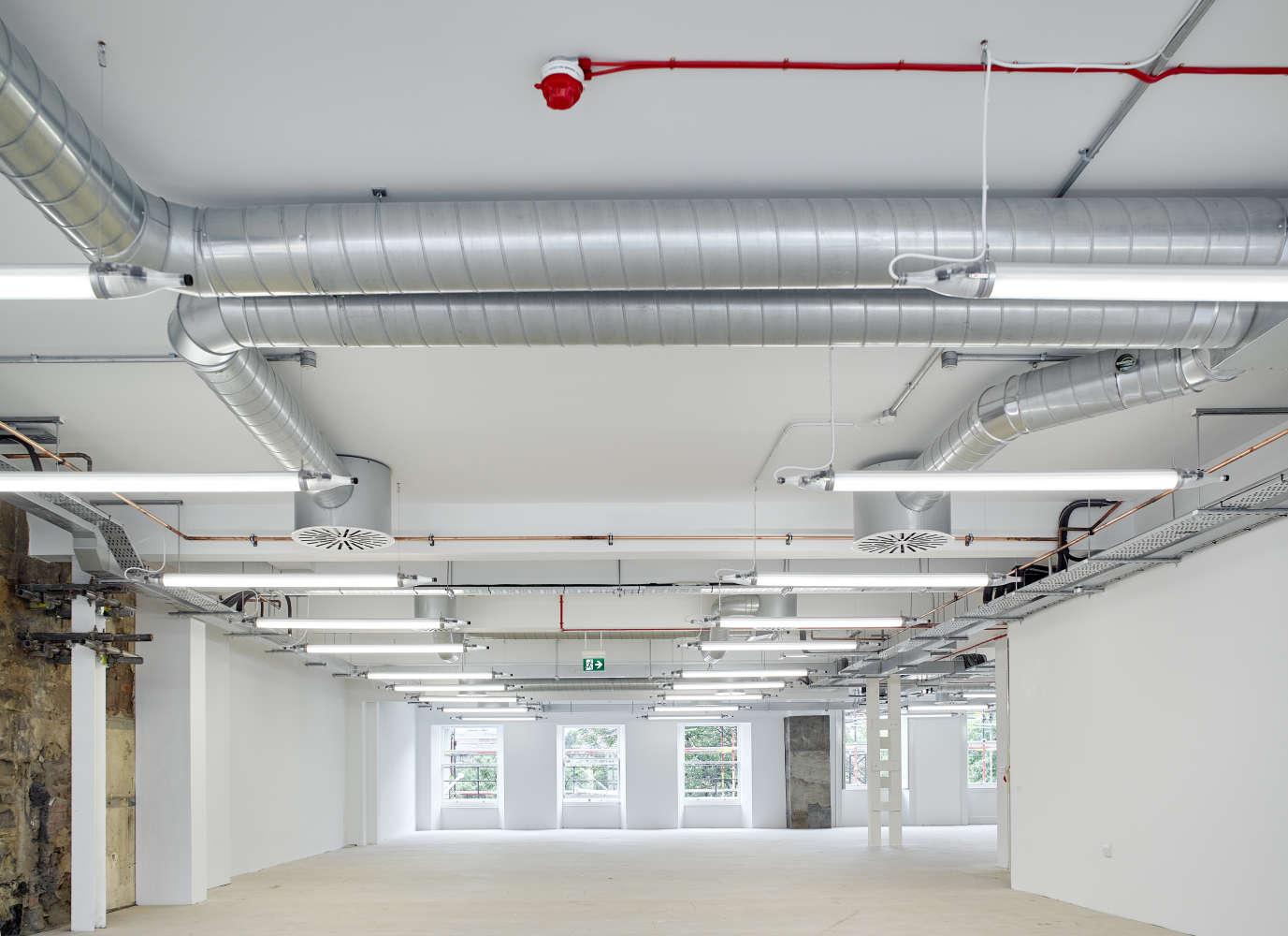 Offices Edinburgh, EH2 4AH - 132 Princes Street - 48847