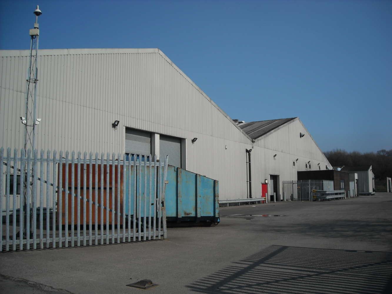 Industrial Caerphilly, CF81 9FW - Pengam Road - 0303067