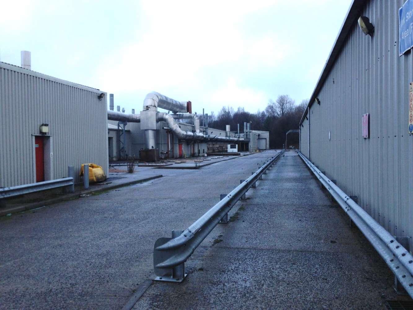 Industrial Caerphilly, CF81 9FW - Pengam Road - 6