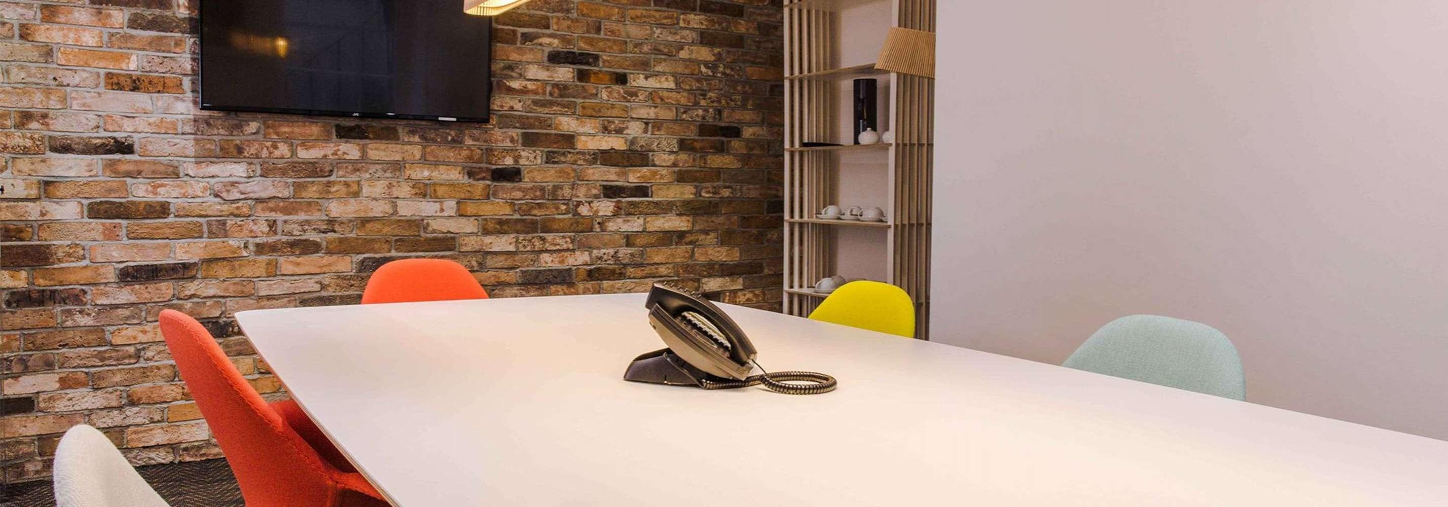 Serviced office London, WC1A 2BP - 23 Southampton Place - 23