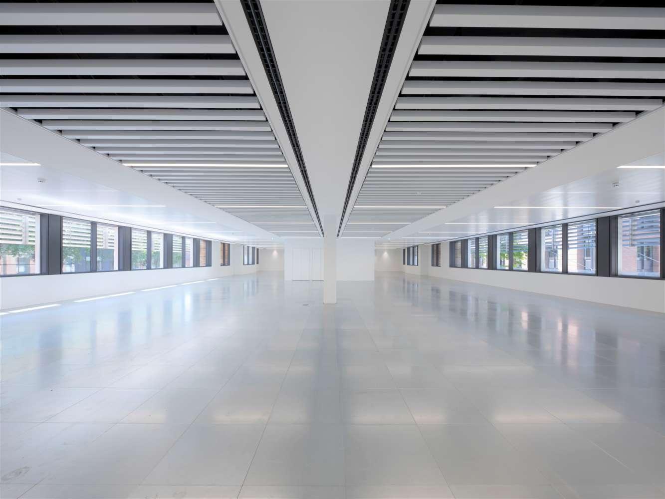 Offices London, EC4V 4BJ - 128 QVS - 0004