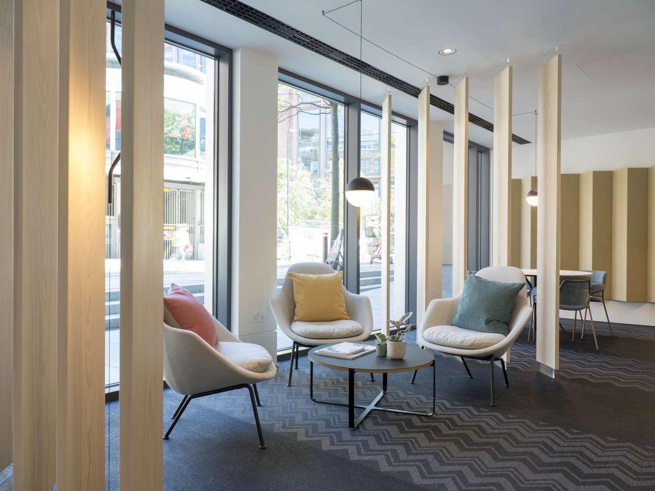 Office London, EC4V 4BJ - 128 QVS - 0025