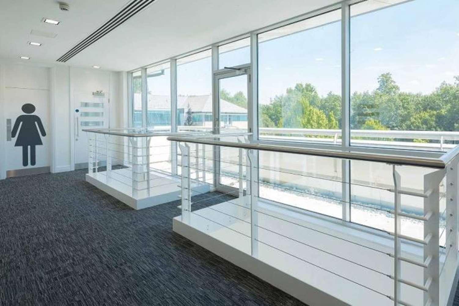 Office Uxbridge, UB8 2AD - Swan House - 64010