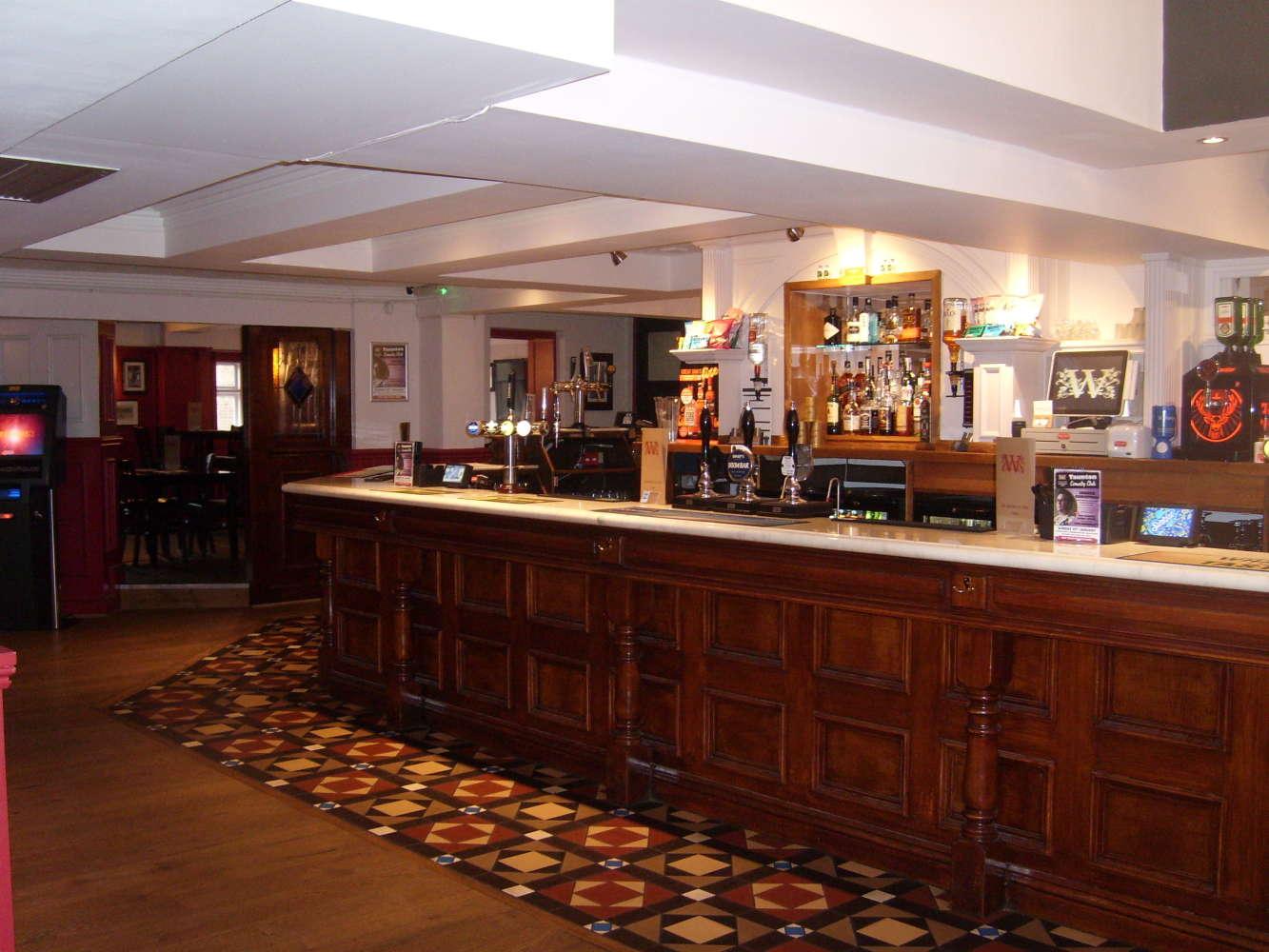 Pub Taunton, TA1 4AD - The Winchester Arms - 273159