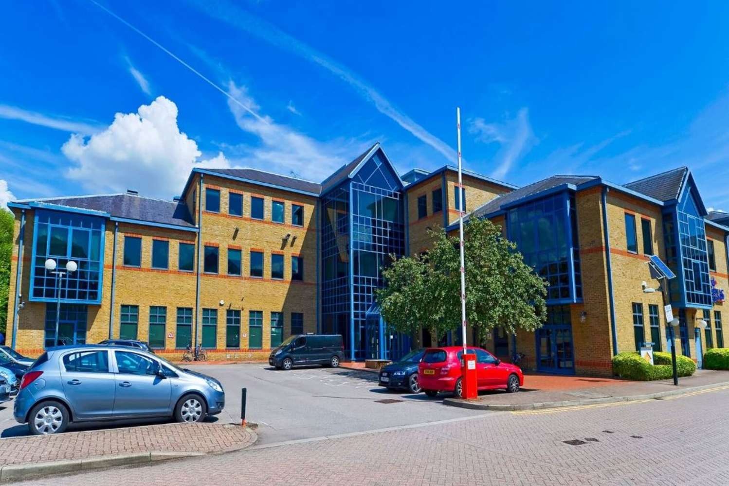 Serviced office Staines, TW18 3BA - Knyvett House - 39185