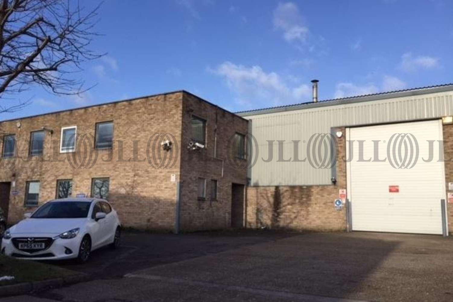 Industrial and logistics London, UB6 8PW - Unit 19, Fairway Drive - 19