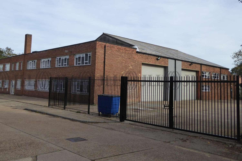 Industrial and logistics Isleworth, TW7 6DT - Unit 136 Clocktower Road - 136