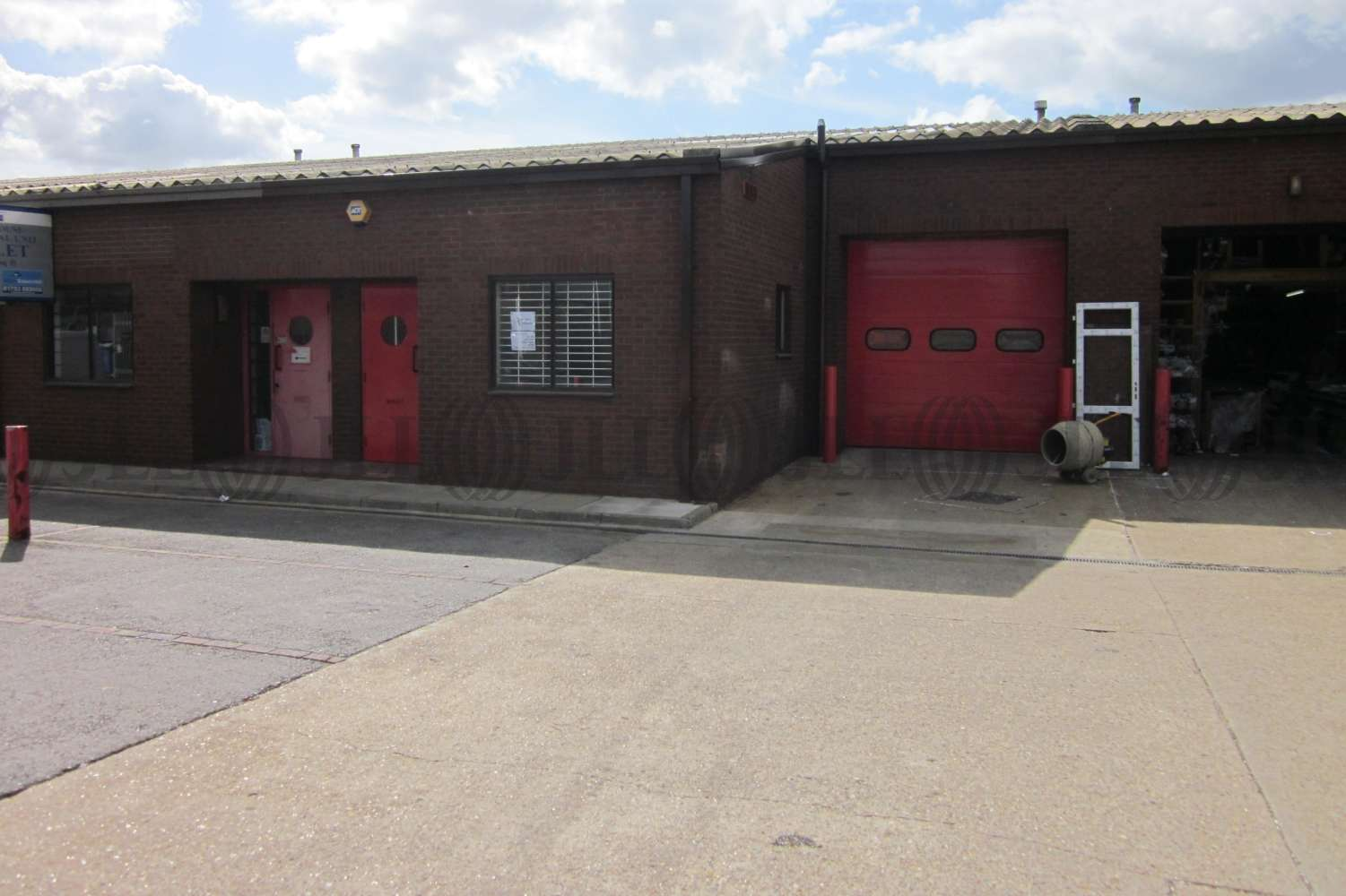Industrial and logistics Hayes, UB3 3NW - Unit 6 Chesterfield Way - 201