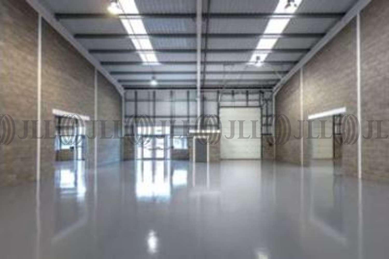 Industrial and logistics Greenford, UB6 0AZ - Unit 18 Greenford Park - 2