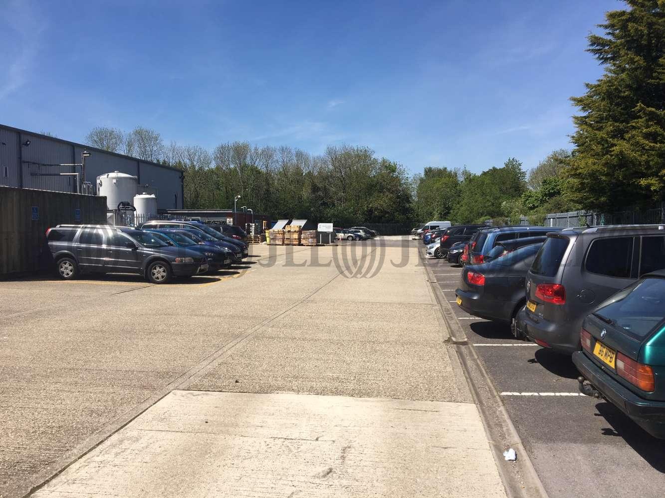 Industrial and logistics Basingstoke, RG22 4BS - The Laurels - 1031