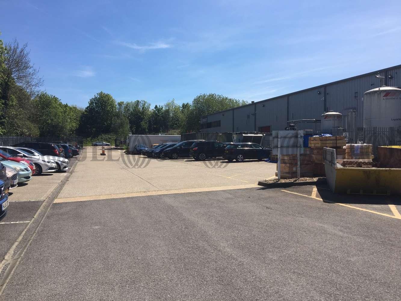 Industrial and logistics Basingstoke, RG22 4BS - The Laurels - 1033
