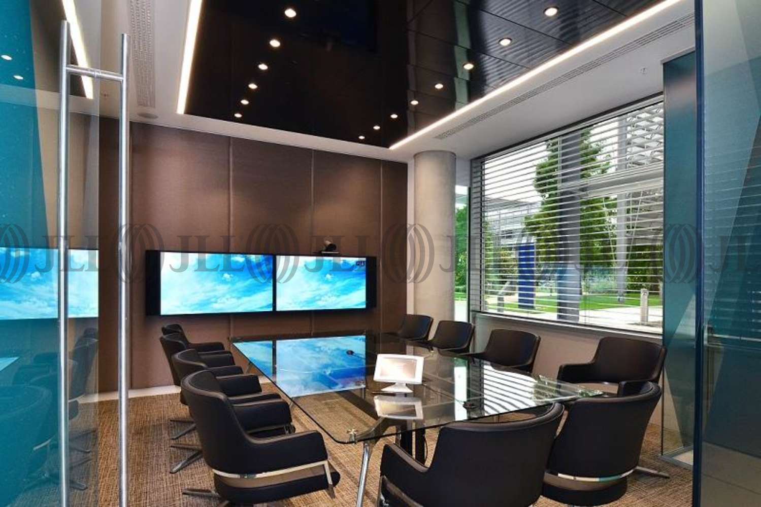 Offices London, W4 5HR - Building 6 Chiswick Park - 2