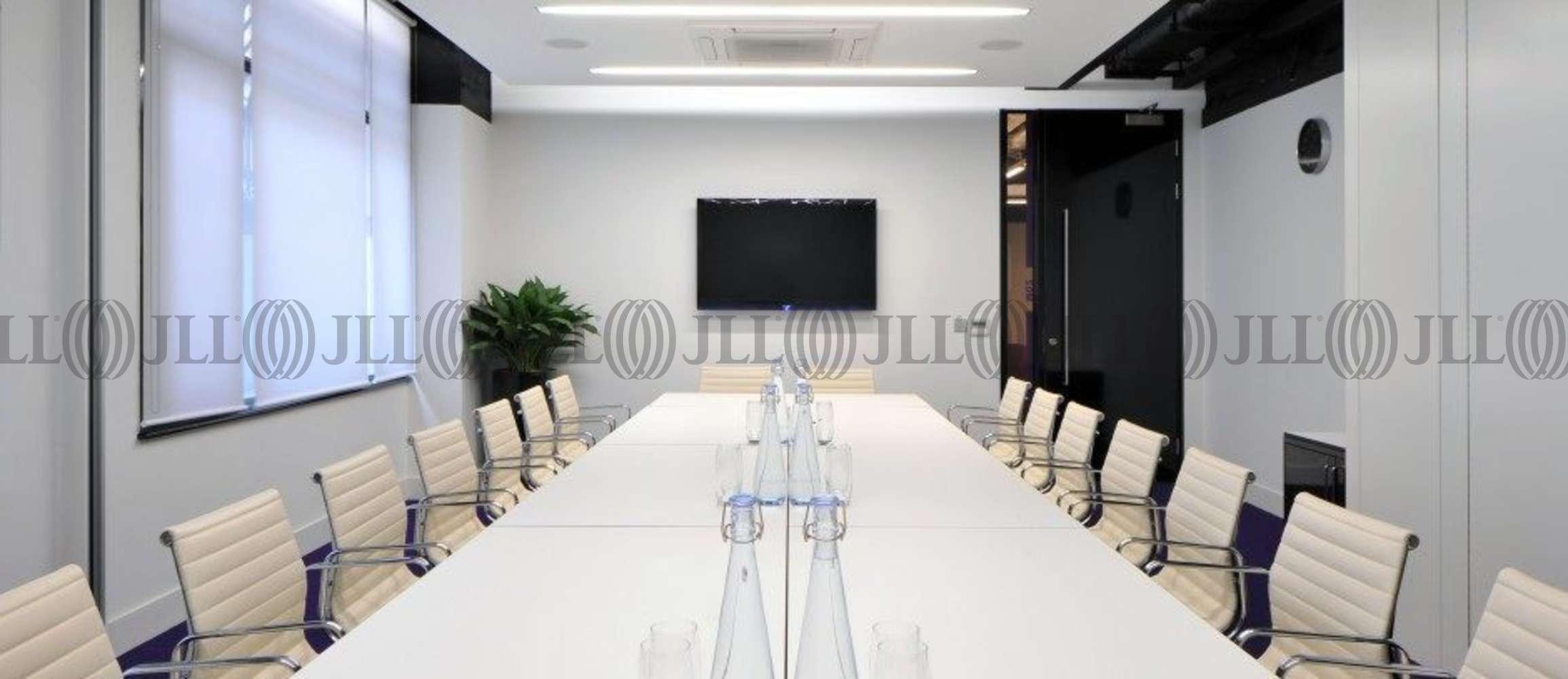 Serviced office London, EC3N 3DS - 3 Lloyd's Avenue  - 407