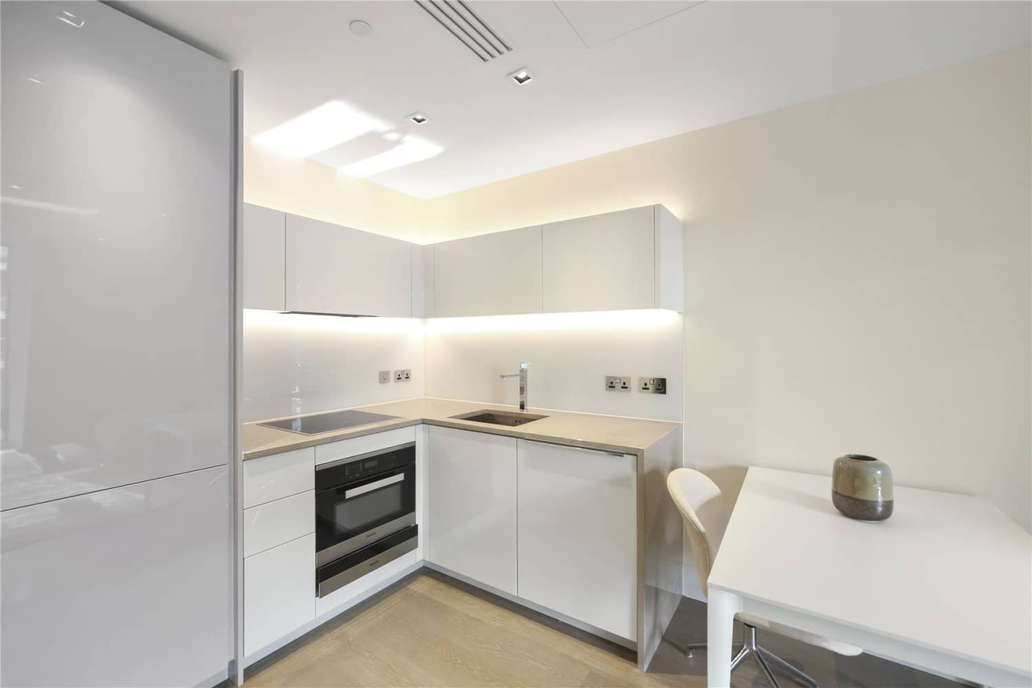Apartment London, W14 - Lord Kensington House 5 Radnor Terrace London - 04