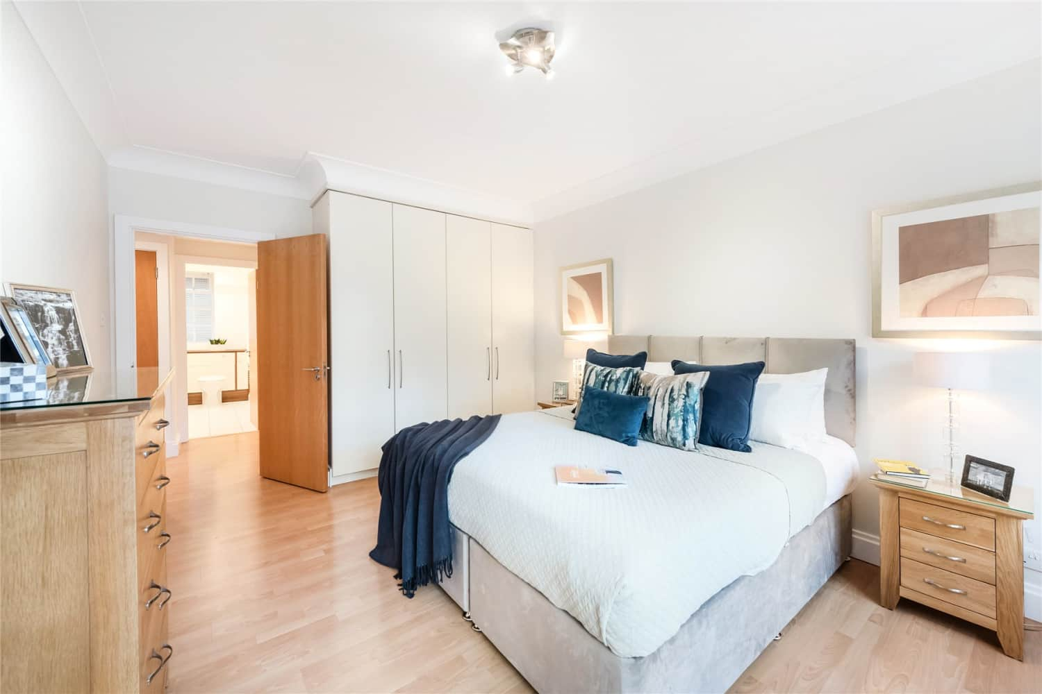 Apartment London, W8 - Stafford Court Kensington High Street London W8 - 01