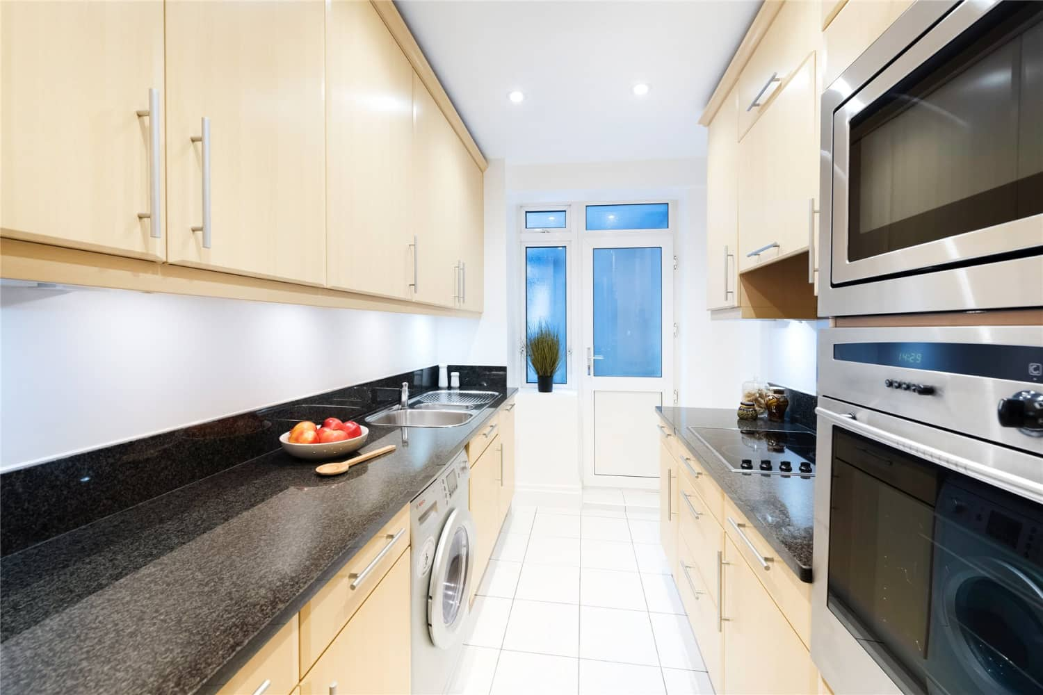 Apartment London, W8 - Stafford Court Kensington High Street London W8 - 02