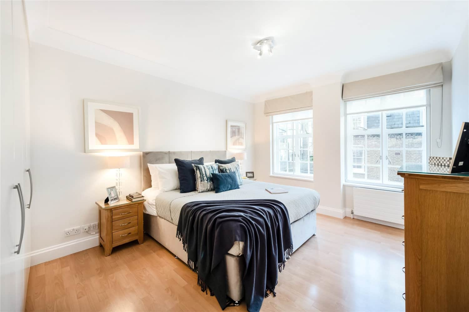 Apartment London, W8 - Stafford Court Kensington High Street London W8 - 06