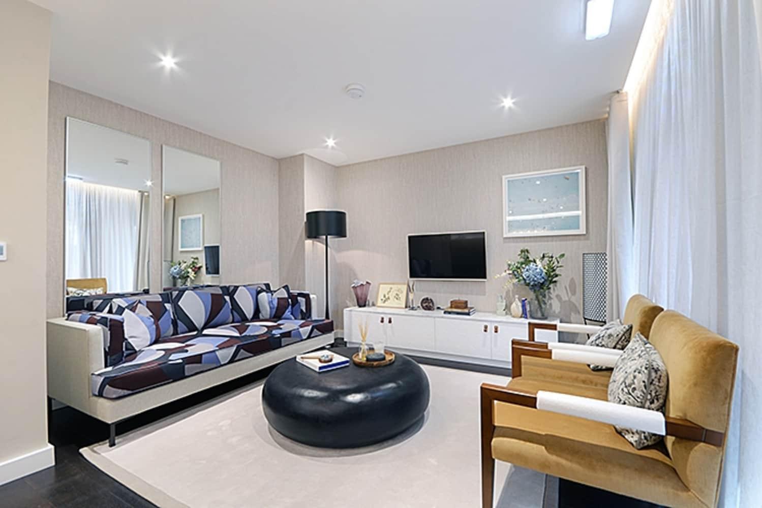 Apartment London, SW8 - Montrose Building, Lexington Gardens, London SW8 - 01