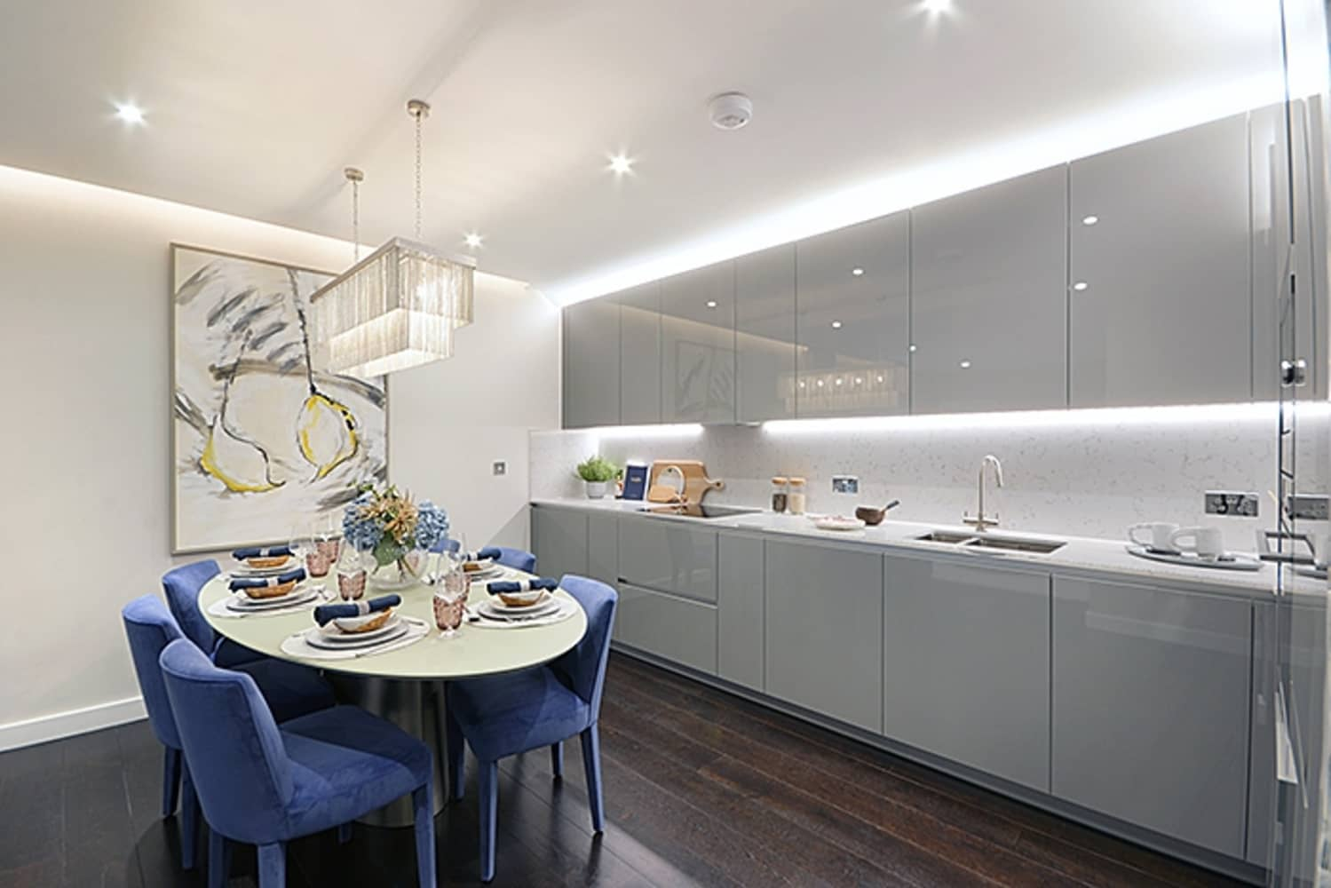 Apartment London, SW8 - Montrose Building, Lexington Gardens, London SW8 - 03