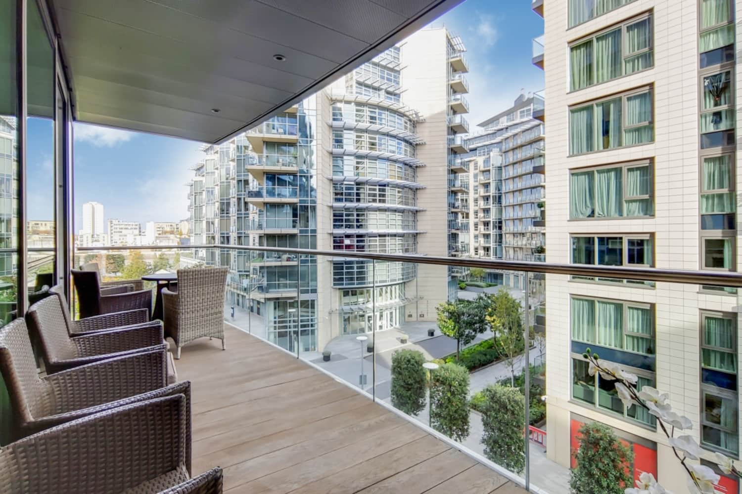 Flat London, SW18 - Pinnacle House, Juniper Drive, London SW18 - 00