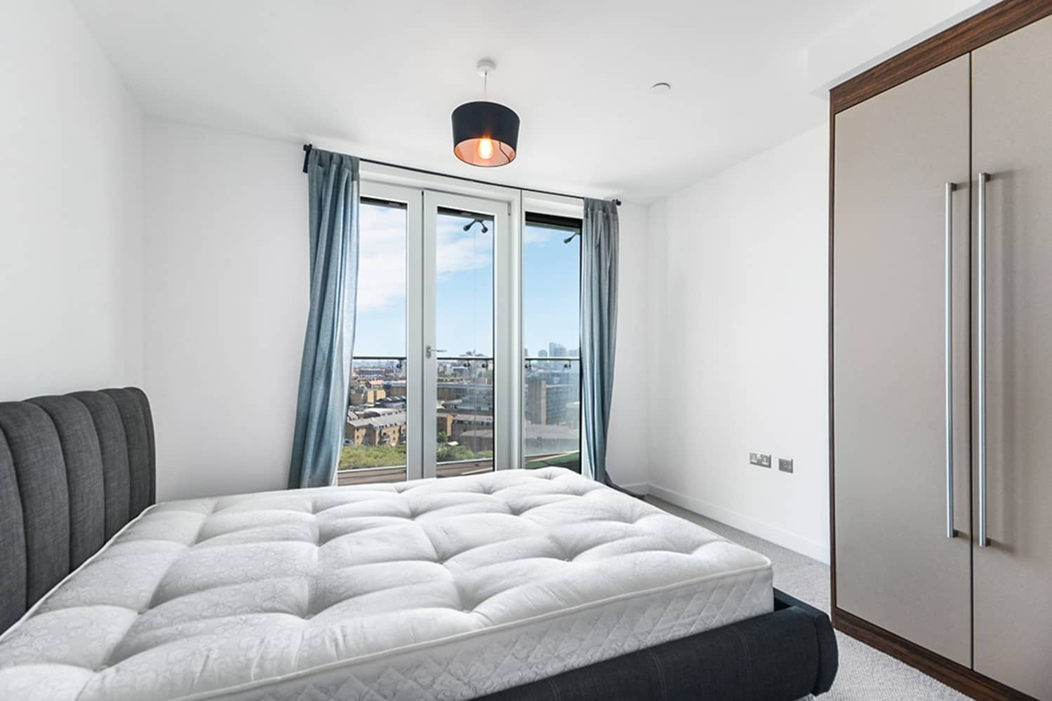 Apartment for rent in Avantgarde Tower, E1, London ...