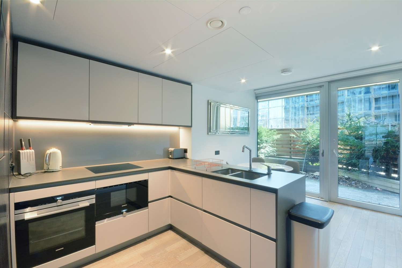 Apartment London, SW11 - Battersea Power Station, London SW11 - 02