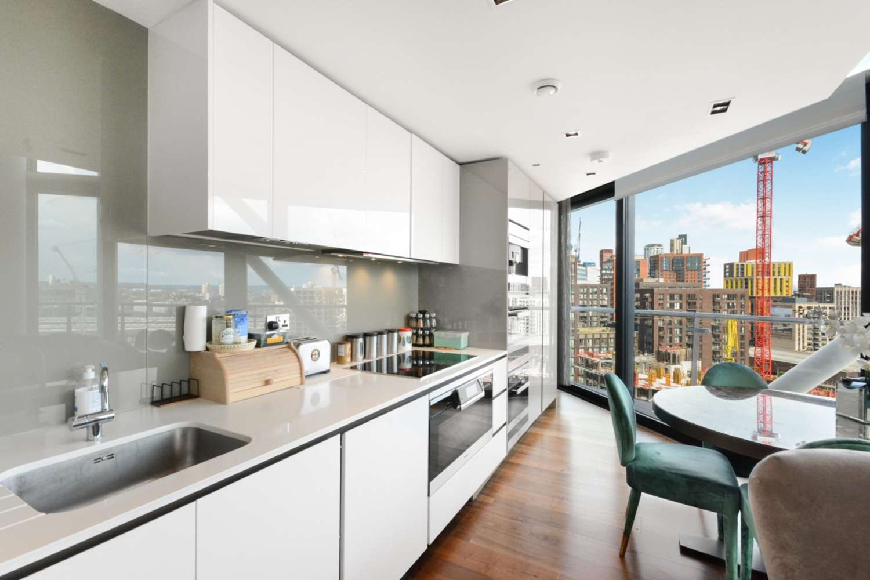 Penthouse London, SW11 - 4 Riverlight Quay London SW11 - 04