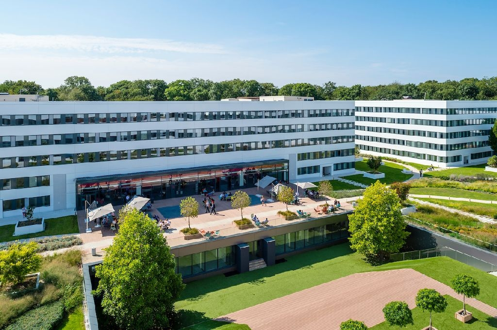 Office,warehouse,industrial Yvelines, undefined - Envie de Respirer Pôle Saint-Quentin-en-Yvelines | Location & Achat de Locaux - 1019