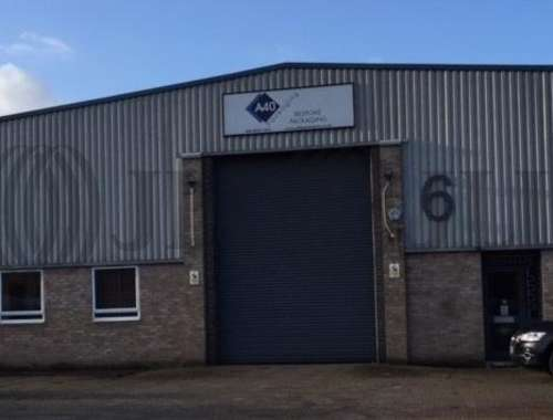 Industrial and logistics London, UB6 8PW - Unit 6, Fairway Drive - 6