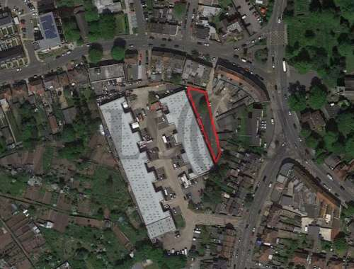 Industrial Hounslow, TW5 0LD - Secure Yard - Heston Industrial Mall - 84743